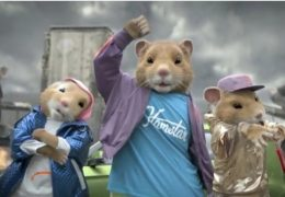 pub-kia-hamster-danse-jeux-video-futuriste