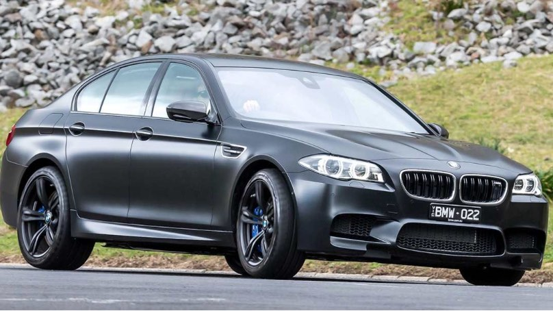 bmw-M5-photo-pub-interdite